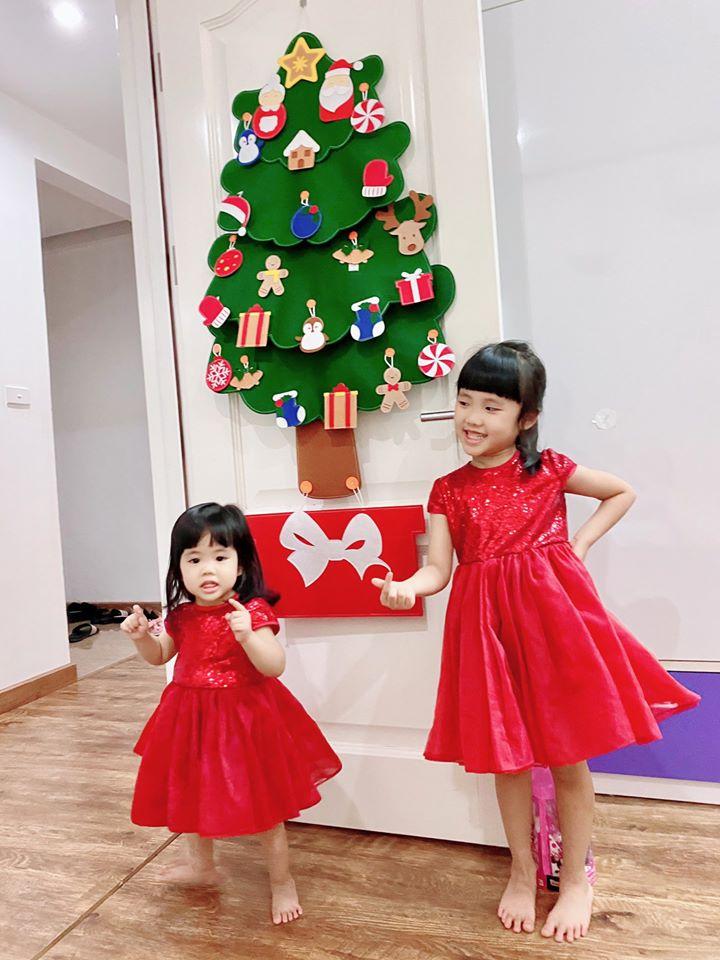 Cây Thông Noel Giáng Sinh Hạnh Phúc treo tường Cỡ lớn 6